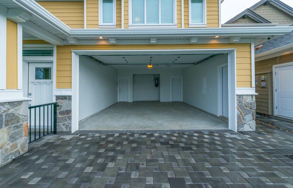 home's garage